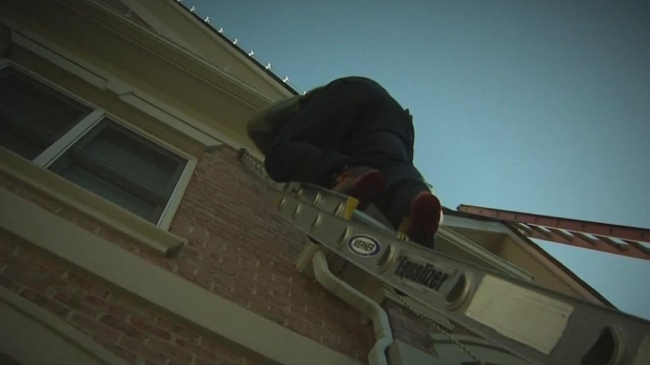climbing ladder_595451