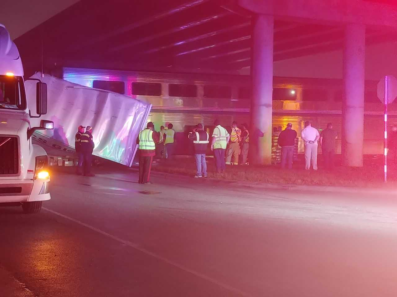 Am Amtrak train and a semi truck collided at the Wonder World Drive crossing in San Marcos, Texas on Dec. 18, 2017 (KXAN Photo_Lauren Lanmon)_600178