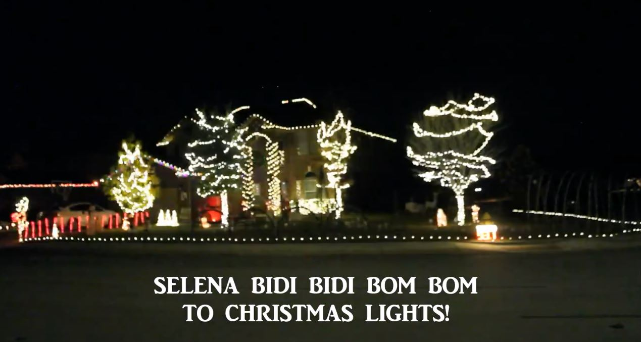 selena christmas lights_599727