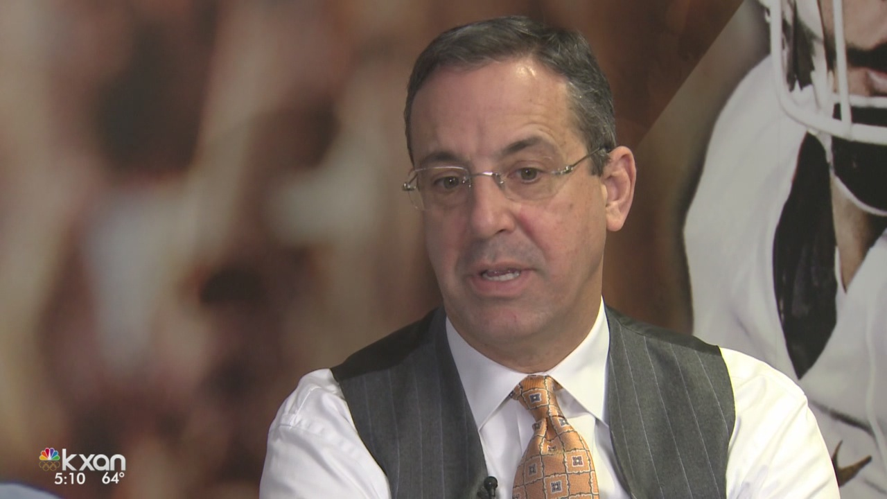 UT's Athletic Director Chris Del Conte sits down with Roger Wallace for the first time