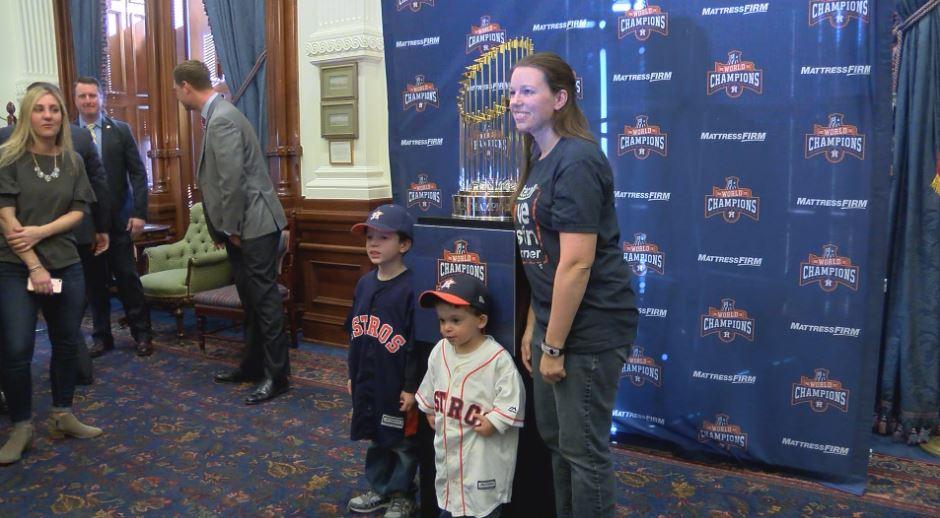 Astros Trophy-54787063
