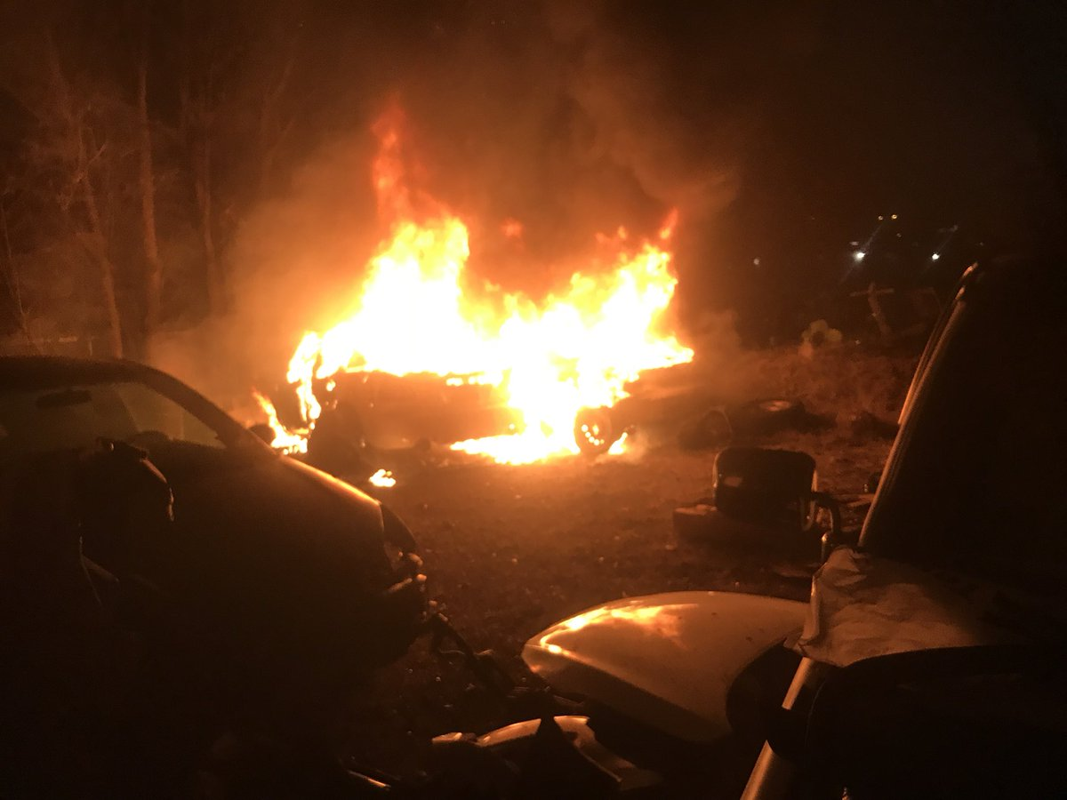 Salvage yard vehicle fire on Farley Dr._623523