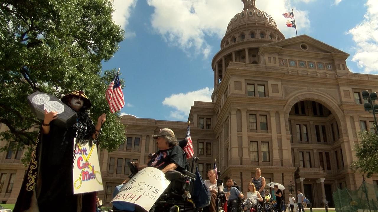 Protestors at Texas State Capitol_497759