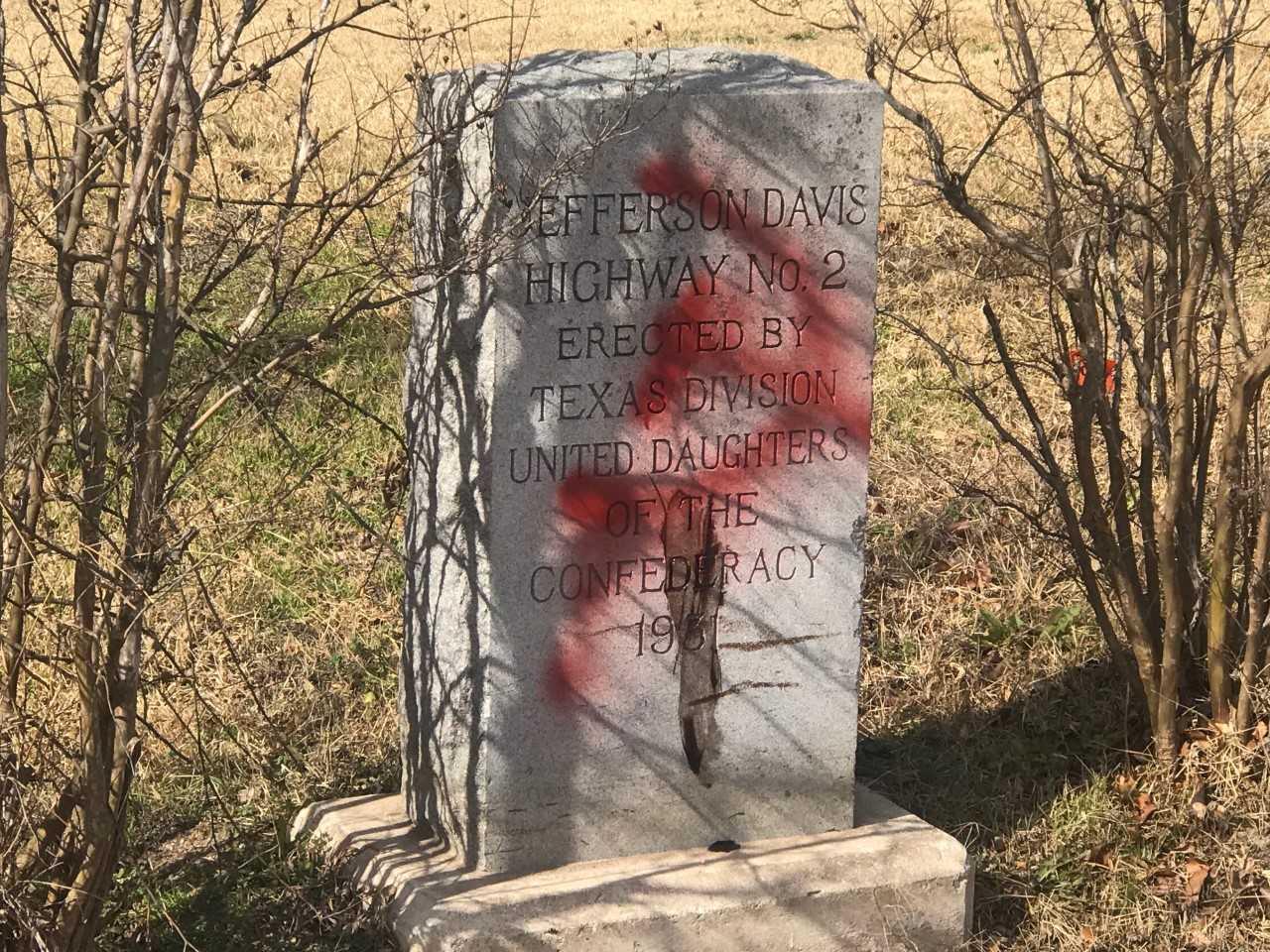 Jefferson Davis marker vandalized_622420
