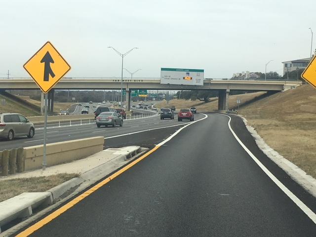 Toll sign on the Far West Blvd bridge_607432