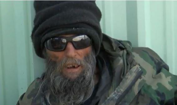 homeless man refused service_640304