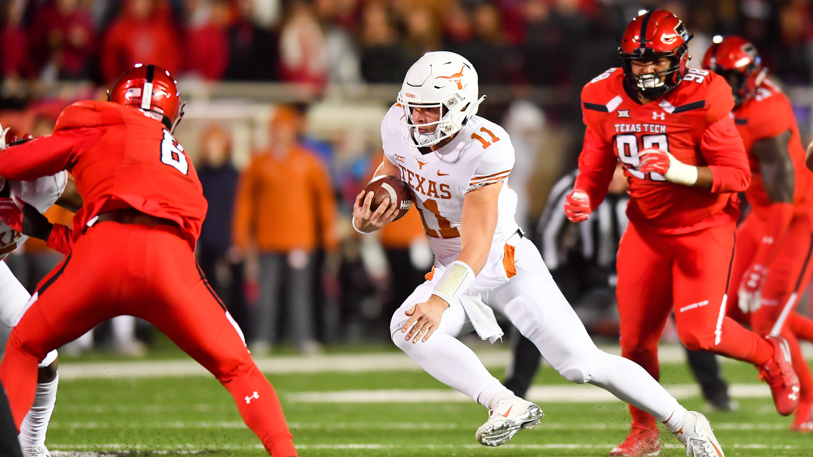 Sam Ehlinger Texas Longhorns Tech