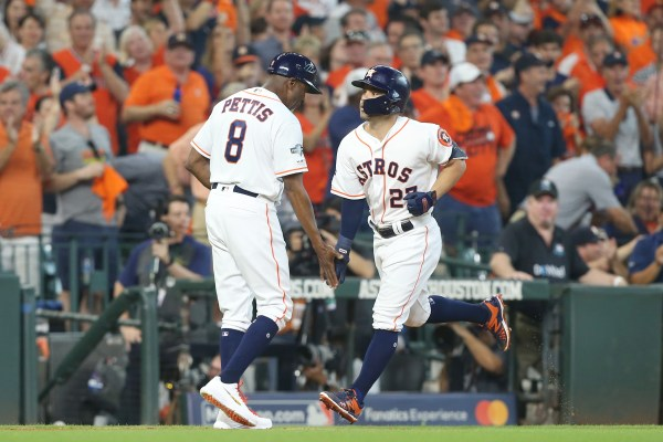 Altuve powers Astros to ALDS lead against Rays