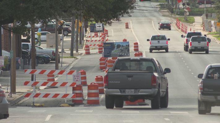 cars avoiding sm bike lane