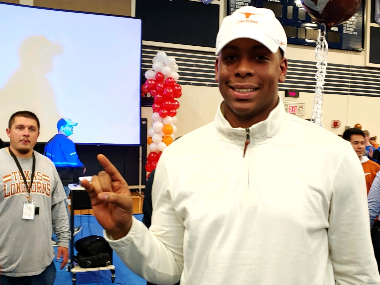 Alfred Collins hook em Longhorns