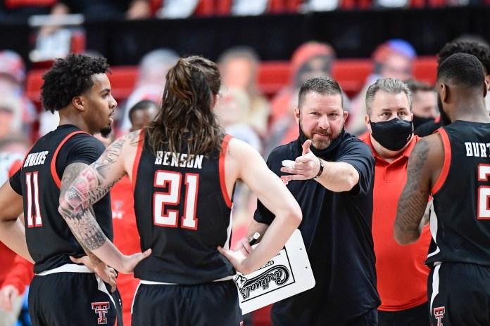 BREAKING: Texas basketball to hire Texas Tech's Chris Beard as new head coach, according to reports
