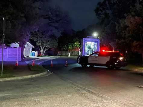Suspect in custody after SWAT situation prompts reverse 911 in south Austin neighborhood