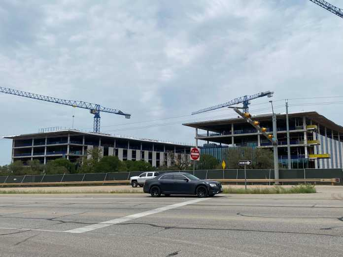 Apple's billion-dollar Austin campus nearly finished, move-in date set