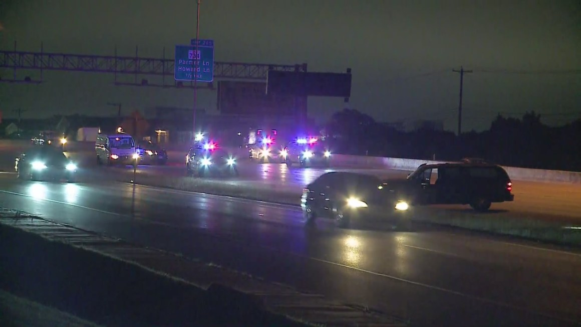 Southbound I-35 shut down near Parmer Lane after person hit by cars, police say