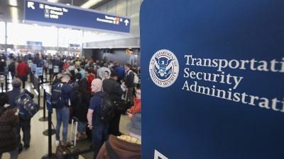 TSA-lines-jpg_20160613230401-159532