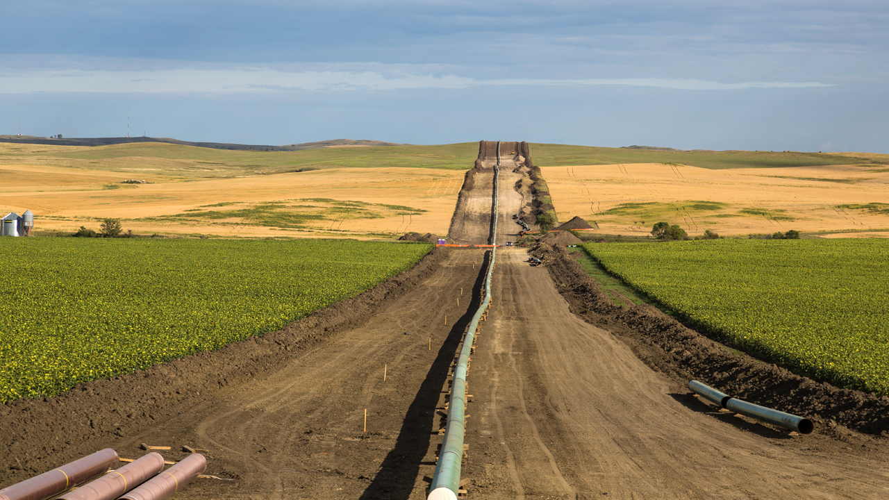 Dakota Access Pipeline Bakken Field construction-159532.jpg41150427