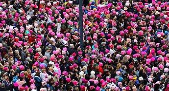 women_marching_1530020461566.jpg