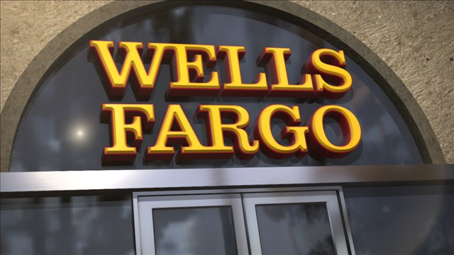 Wells Fargo 'glitch' blamed for hundreds losing their homes