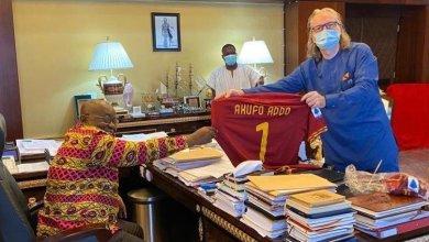 Photo of AS Roma present customized jersey to Prez Akufo-Addo