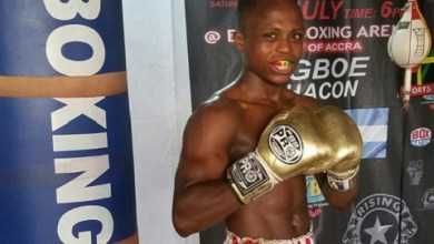 Photo of Isaac Dogboe back in the ring, sets to face Chris Avalos