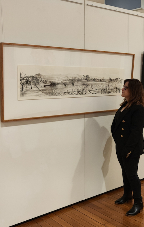 Finalist Kylie Fogarty with Barton Estate Vista at the 2021 Ravenswood Women's Art Prize