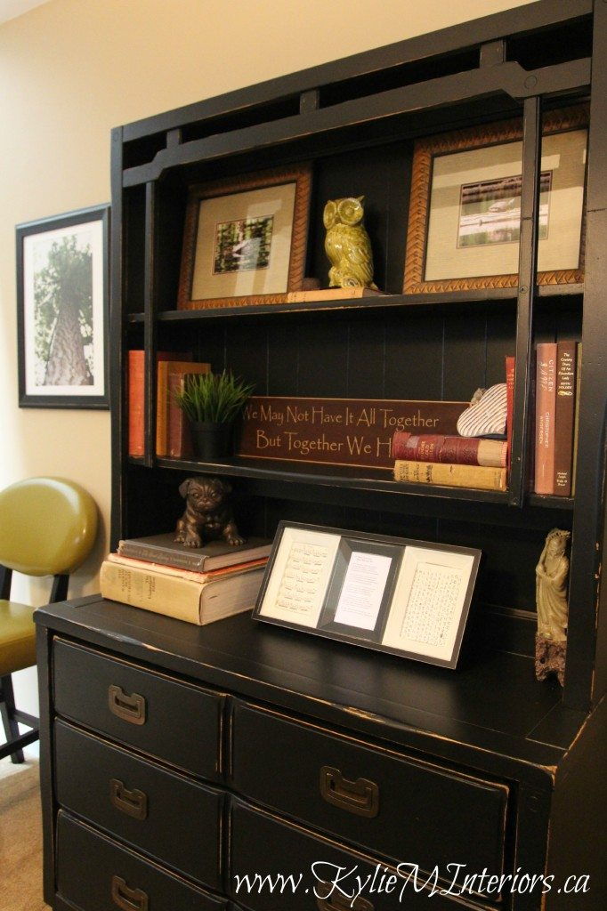 Ideas To Accessorize A Black Painted And Distressed