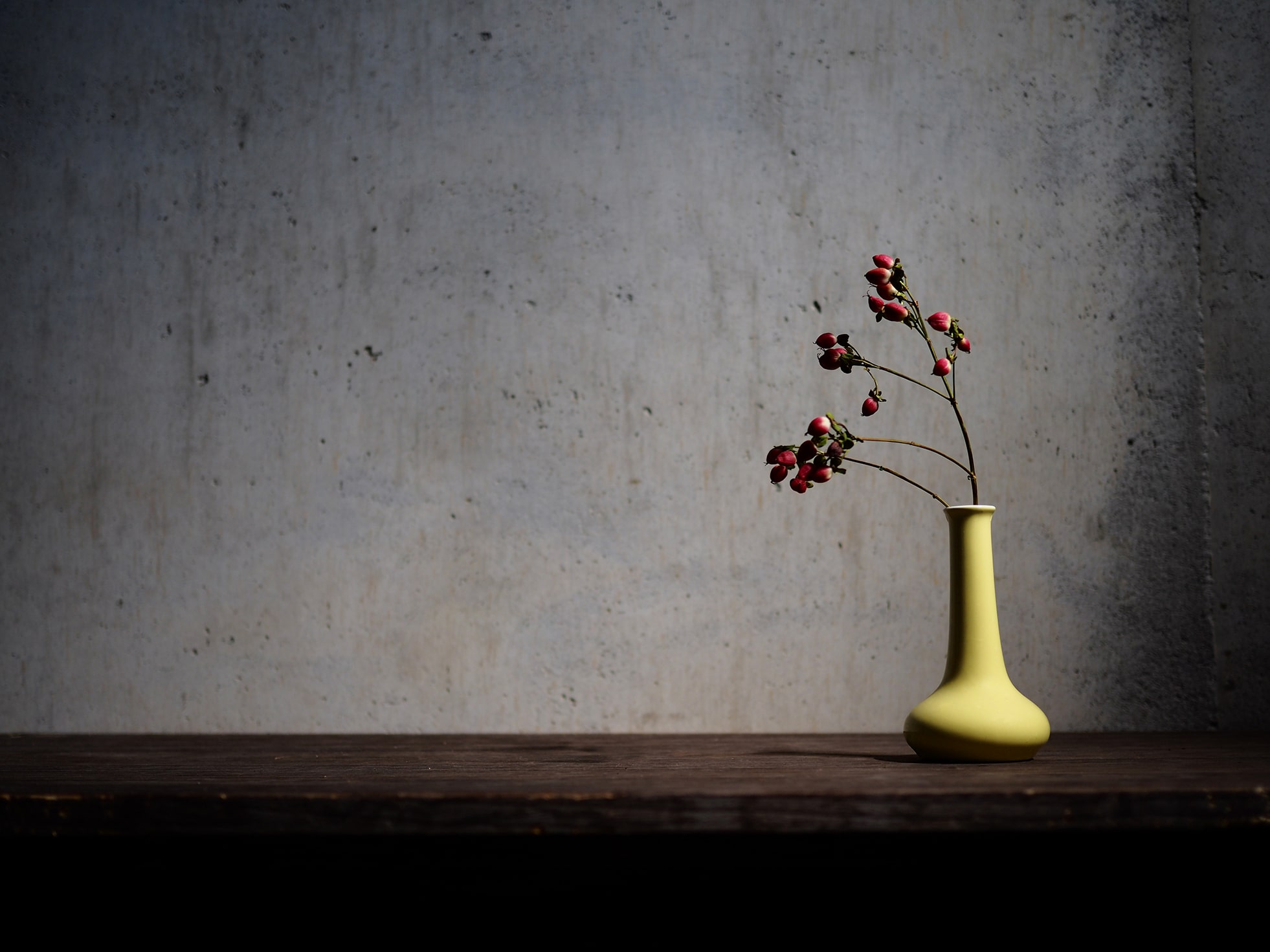 Why is it difficult to understand what wabi-sabi means?
