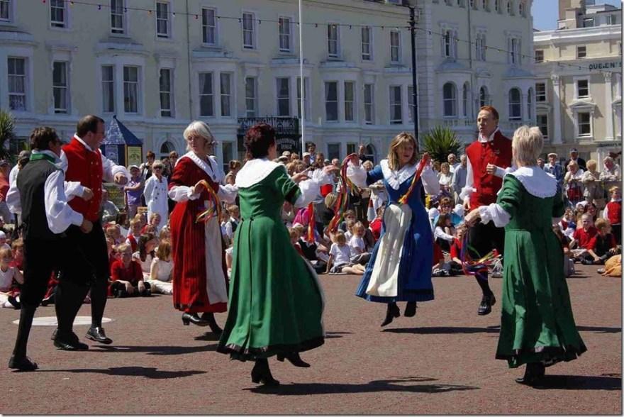 St-David dancing