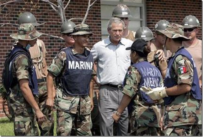 2005_09_13_KATRINA_NewOrleansLA_Bush with Mexican Army