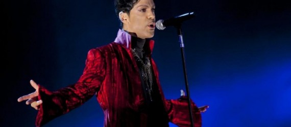 Universal adquiere el material inédito de Prince