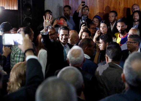 2019-01-31T162357Z_1_LYNXNPEF0U1IX_RTROPTP_4_VENEZUELA-POLITICS-588x420.jpg