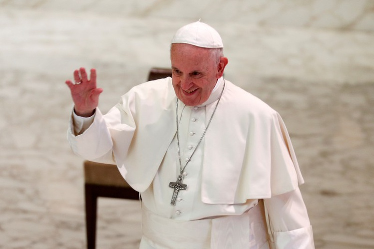 2018-12-06T151925Z_2_LYNXMPEEB50Q4-OUSTP_RTROPTP_3_NEWS-US-POPE-UAE.JPG