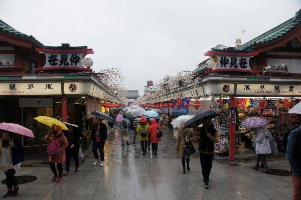 rain_in_asakusa_tokyo