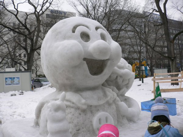 Anpanman_Snow_Sculpture_Sapporo_Japan