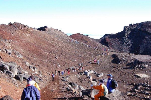 Mount_Fuji_Trails_Japan