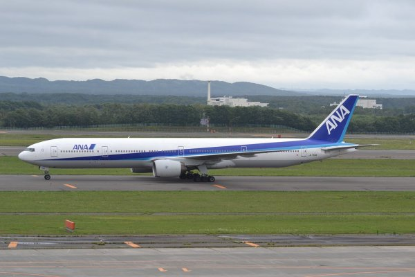 ana_airways_at_sapporo_new_chitose_airport