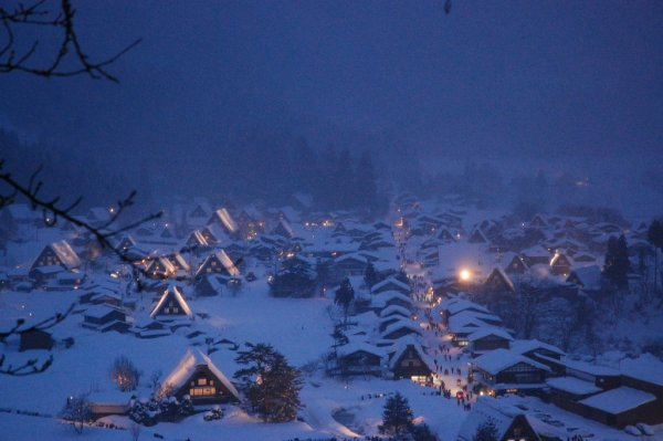 winter_illumination_in_shirakawago