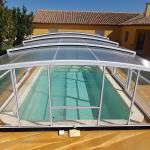 Abri de piscine haut télescopique modèle Athènes de Bel Abri