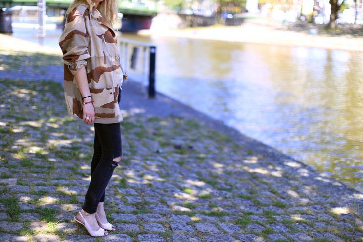 2_look_blog_mode_veste_militaire_vintage_jean_hm_escarpins_nude_valentino