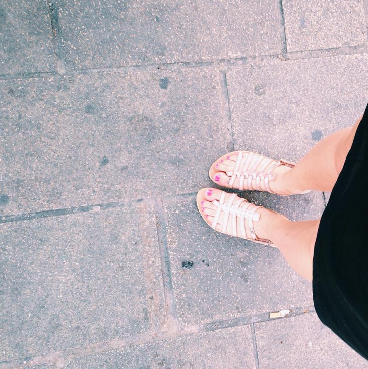 5_look_blog_mode_robe_vero_moda_sandales_les_tropeziennes