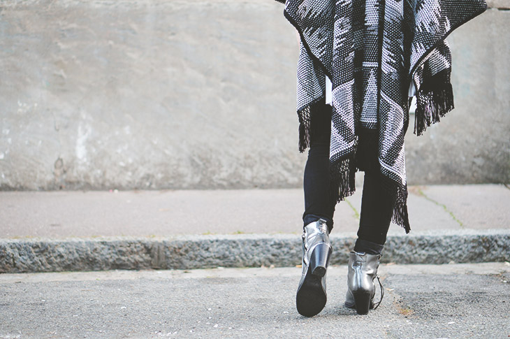 5_look_blog_mode_poncho_new_look_jean_slim_levis_boots_acne_pistol_silver