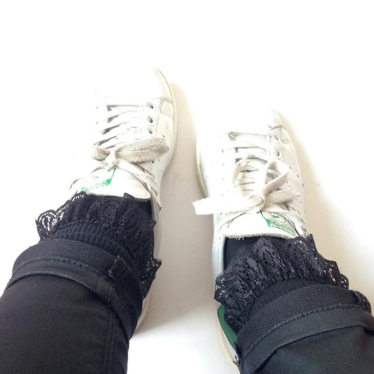 7_chaussettes_volants_dentelle_boohoo_stan_smith_adidas