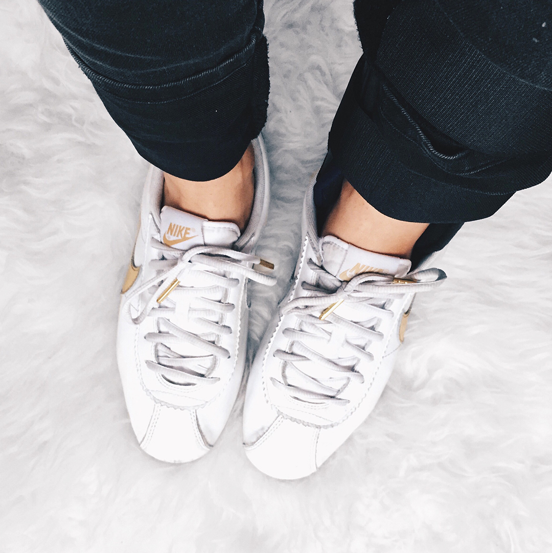4_look_blog_mode_nantes_baskets_nike_cortez_or_blanc