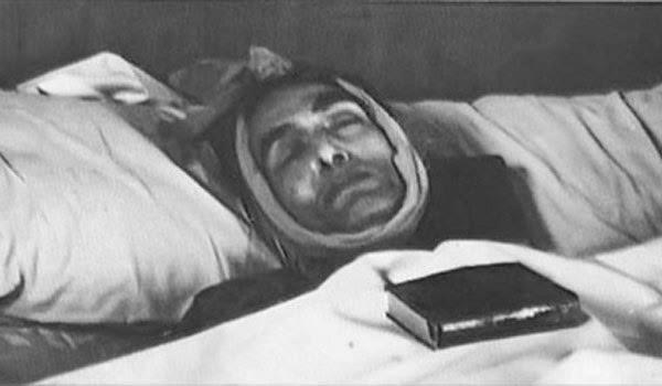 جثة الفنان الراحل محمد فوزي