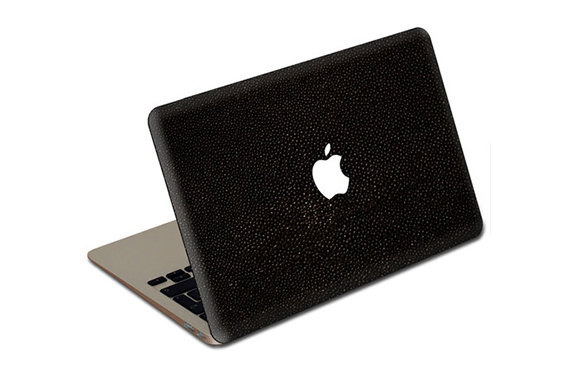 "Sticker cuir galuchat Jamie Clawson MacBook Air 13"" (Noir)"