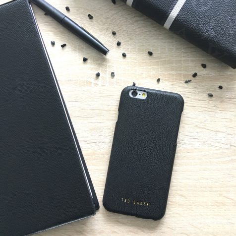 Coque Ted Baker Bryoni Black pour iPhone 6