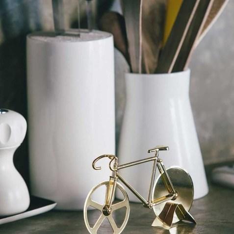 Roulette à pizza vélo doré DOIY