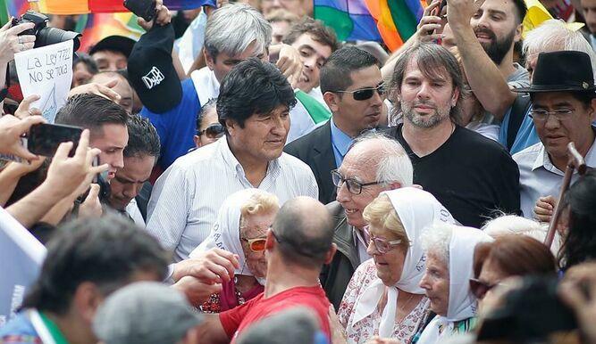 Evo, Plaza de Mayo