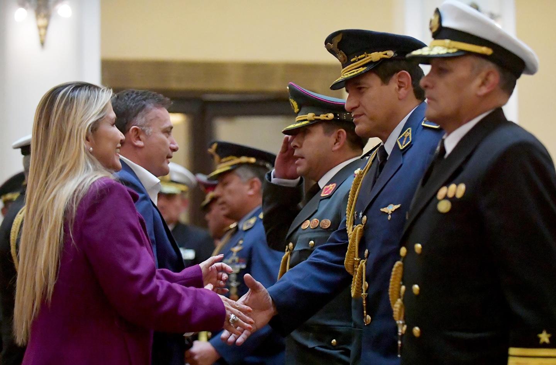 Peones o alfiles? Las grietas que acechan a las Fuerzas Armadas | La Época-  Con sentido de momento histórico