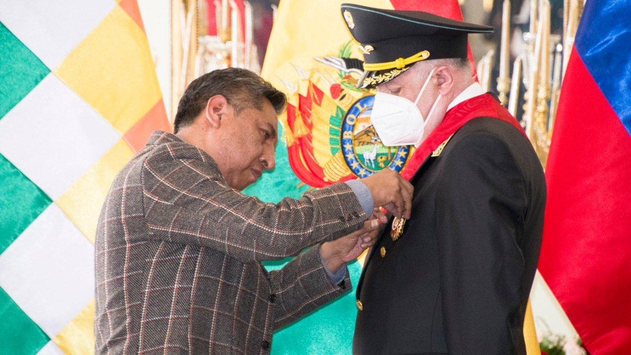 Bolivia, Rogelio Mayta
